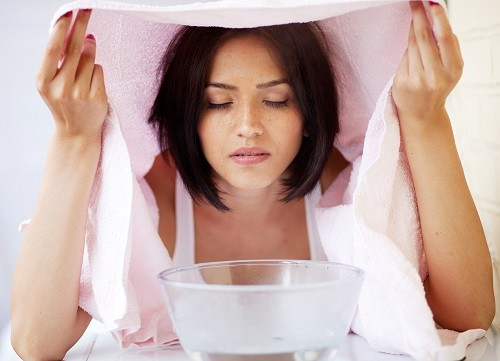 A guide to facial steamers a new way to care for your skin diy facial steamer in a room solutioingenieria Images